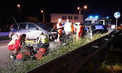 Due feriti nell'incidente tra due auto ad Arosio (LE FOTO)