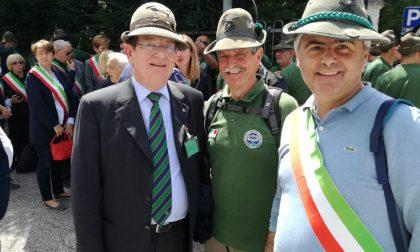 Il sindaco di Carate all'adunata degli Alpini