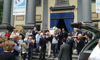 Un bagno di folla per il commosso saluto al piccolo Nicolò Lanzoni