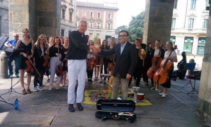 Orchestra in piazza: l'assessore li salva dalla multa