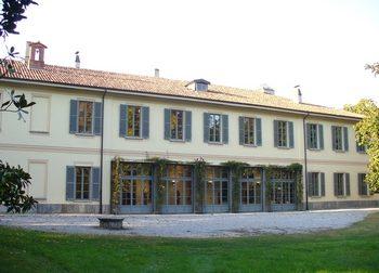 Mercatino dei libri usati e giochi in villa Sartirana