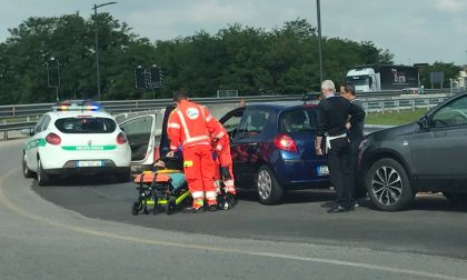 Vimercate: incidente alla rotatoria 48enne in ospedale