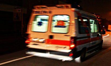 Caduta da moto per due giovanissimi: trasportati in ospedale SIRENE DI NOTTE