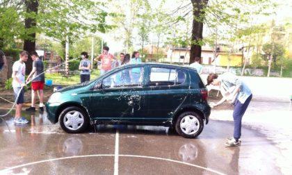 Car wash in oratorio: i ragazzi a sostegno di Caritas