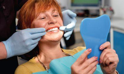 Quanto costa un impianto dentale completo a Monza?