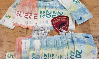 """""""Market della cocaina"""" chiuso dalla Polizia: un arresto e 130 dosi sequestrate"""