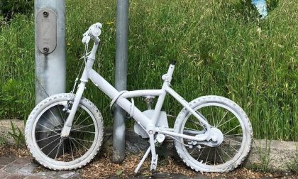 Vandalizzata la ghost bike in memoria di Matteo Trenti