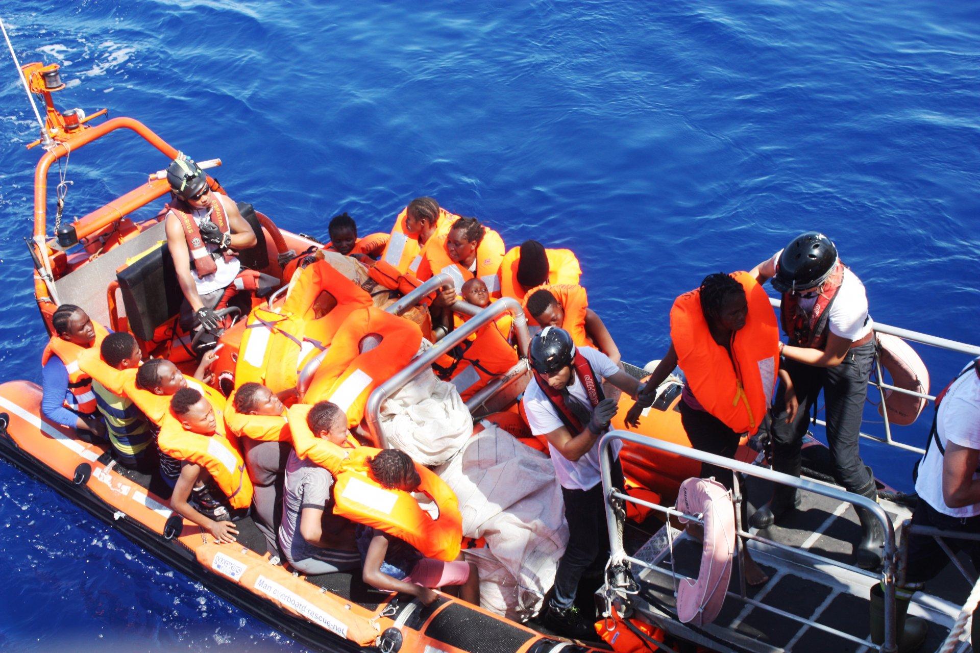 Giornalista arcorese è stato sulla nave Acquarius in bilico fra Malta e Italia