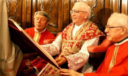 Domenica ad Agliate la festa per don Sandro, prete da 65 anni