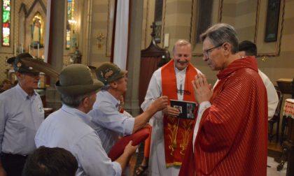 Tregasio festeggia don Gianni, prete da 45 anni (LE FOTO)