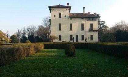 Raccolta firme a Carate: giù le mani da Villa Cusani