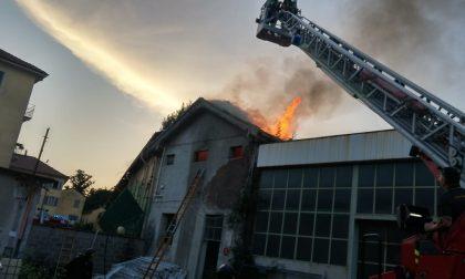 Incendio alla Fossati Lamperti di Monza abbandonata