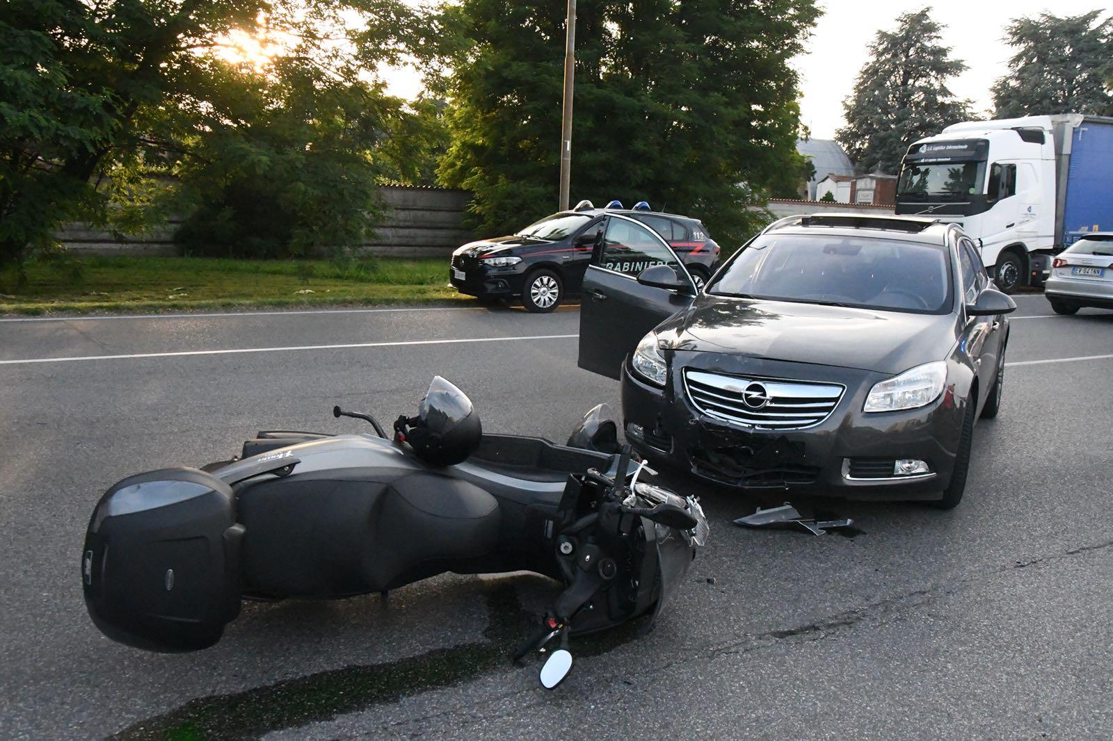 Scontro auto moto a Concorezzo ben sei i feriti