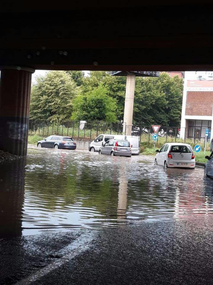 Nubifragio a Monza e Lissone, strade allagate in pochi minuti