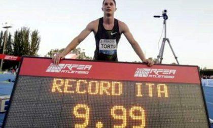 Filippo Tortu gira uno spot pubblicitario sulla pista di atletica  a Giussano