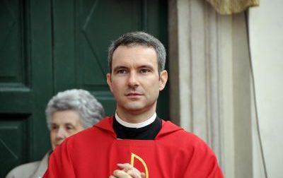 Pedopornografia,  monsignor Carlo Alberto Capella rinviato a giudizio