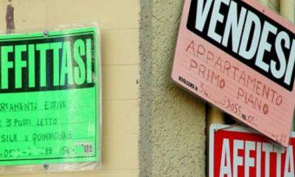 Vendesi casa, ma nessuno compra: col cartello in cinese... va a ruba!
