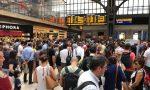 Grave guasto: linee ferroviarie in tilt, treni cancellati forti ritardi