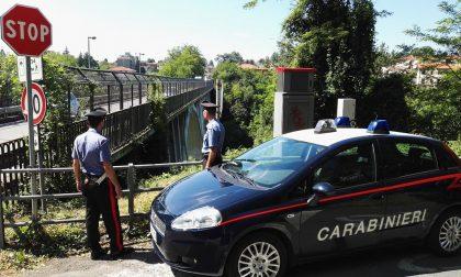 Tenta il suicidio dal ponte di Realdino, salvato dai passanti e dai carabinieri