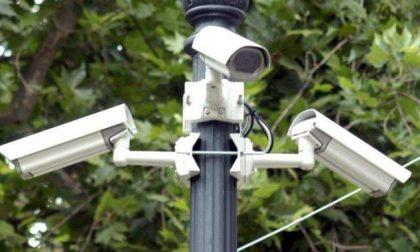 Furti e vandalismi in aumento in zona stazione, chieste le telecamere