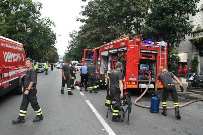 Incendio a Milano, in fiamme un appartamento