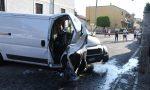 Violentissimo incidente, furgone centra una casa FOTO
