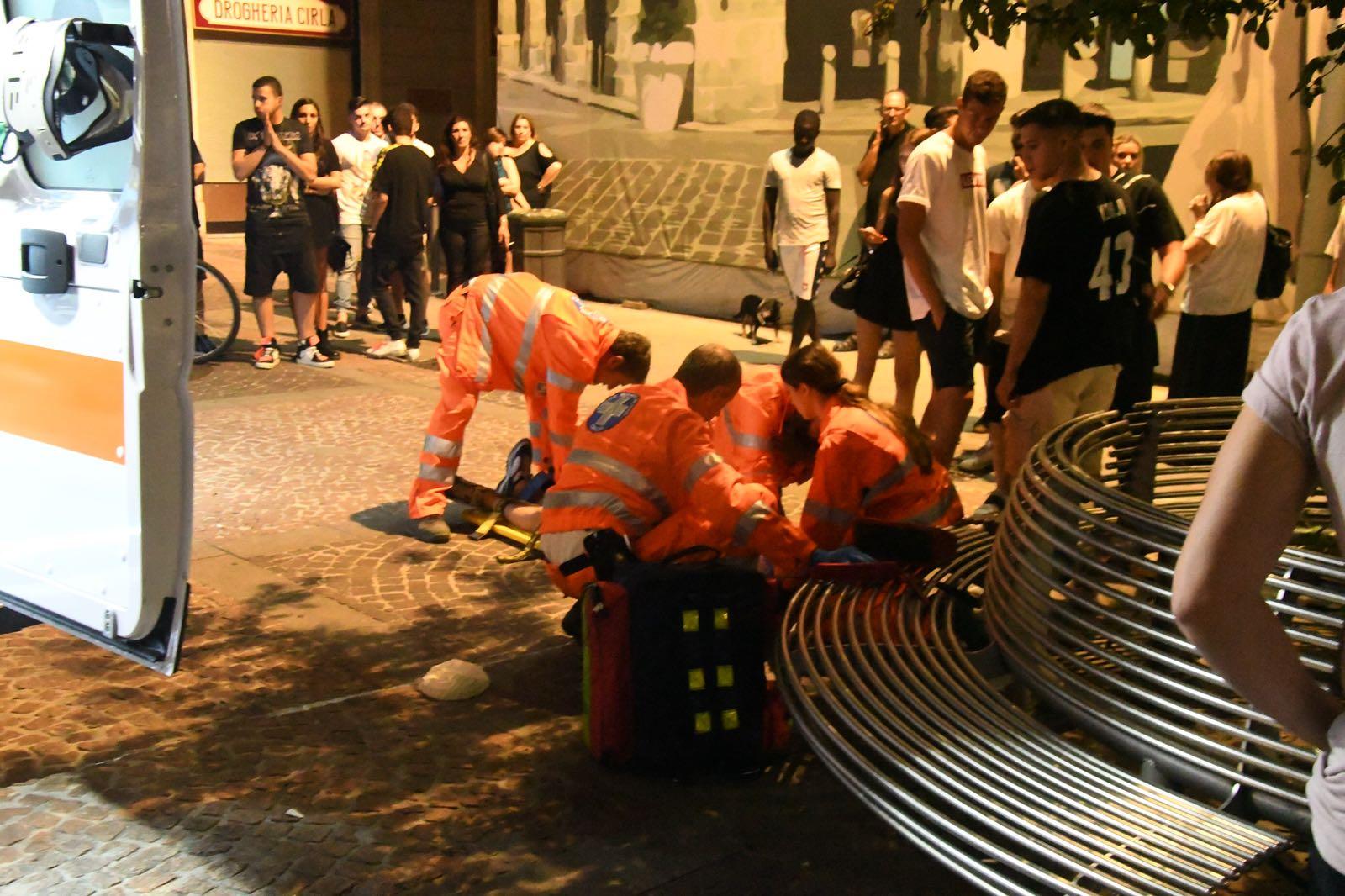 Rissa in piazza San Paolo, picchiati padre e figlio