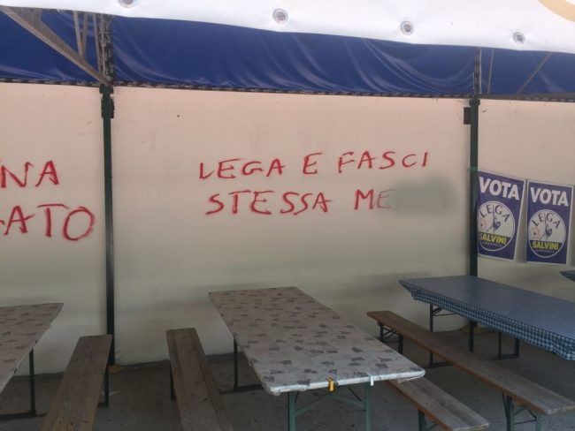 Scritte anti Salvini e insulti alla festa della Lega di Brugherio