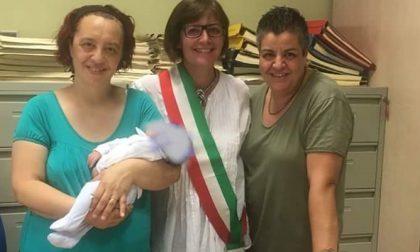 Nel Nord Milano nasce bimbo figlio di due mamme