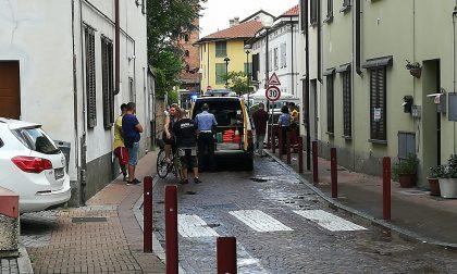 Ciclista investito, attimi di paura a Mezzago
