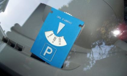 Monza, fino al 27 gennaio sospesi disco orario e parcheggi a pagamento