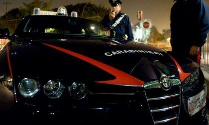 Finti carabinieri derubano anziana, indagini con le telecamere
