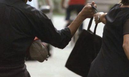 Borseggi e furti al mercato: due denunce dopo l'inseguimento