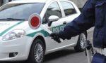 Guida senza patente e assicurazione sequestro e super multa