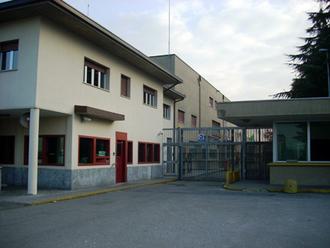 Violenze su un detenuto: cinque agenti del carcere rinviati a giudizio
