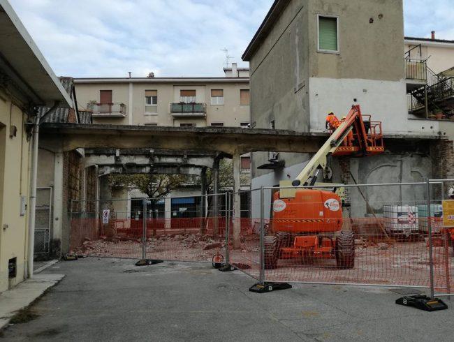 Trezzo iniziati i lavori per aprire via Trento e Trieste al traffico