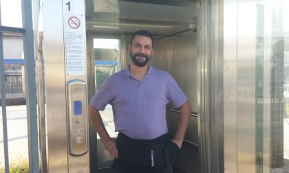Dopo quasi un anno torna in funzione l'ascensore della stazione di Camnago
