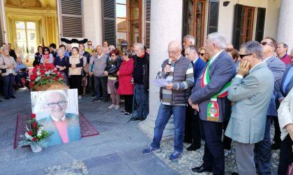 Il commosso saluto di Cavenago a Luigi Villa