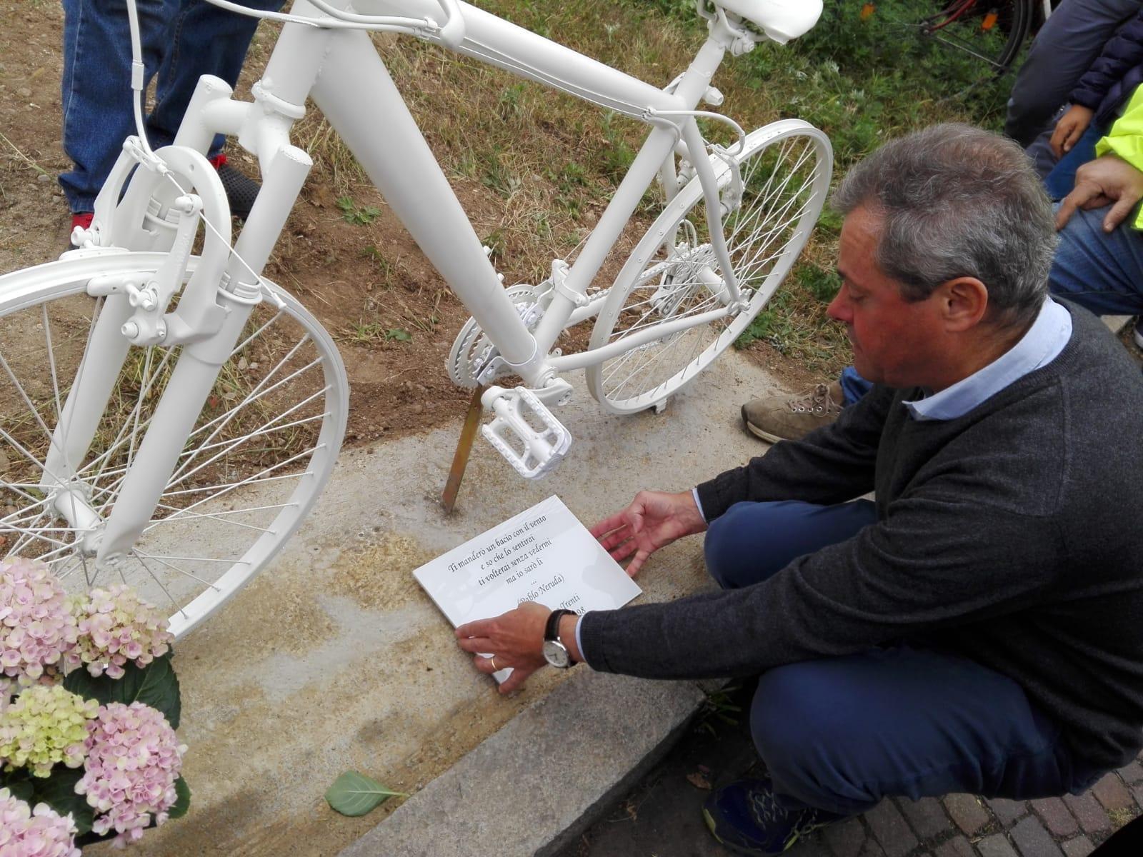 E' tornata la ghost-bike in memoria di Matteo Trenti