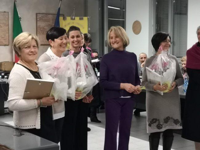 Il Comune di Briosco ha premiato le storiche maestre. Ieri sera, giovedì, il sindaco ha consegnato a quattro insegnanti in pensione una pergamena.