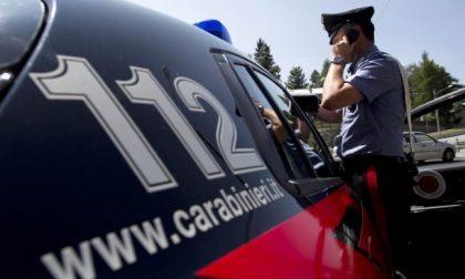 Litiga col fratello e si scaglia contro i carabinieri, arrestato 36enne