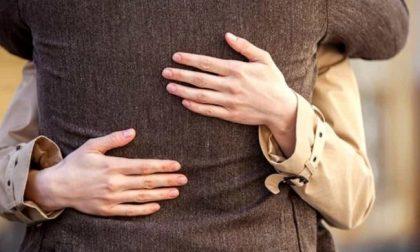 Truffato da una donna, anziano derubato del Rolex