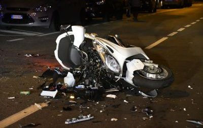 Scontro auto moto a Lissone, centauro in ospedale FOTO