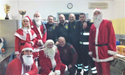 Auguri speciali dai Babbo Natale della Contrada San Pietro e Paolo FOTO