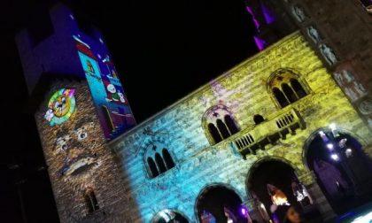 Città dei Balocchi a Como: torre parlante del Broletto spenta per motivi di sicurezza