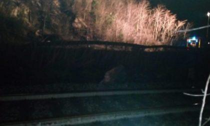 Frana a Novate, Statale 36 e ferrovia restano chiuse