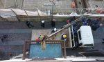 Il balcone abbattuto torna al suo posto