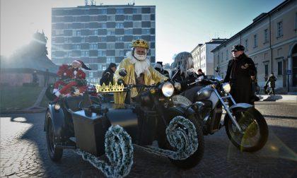 """Befana sprint, a Monza la """"vecchina"""" arriva in moto FOTO e VIDEO"""