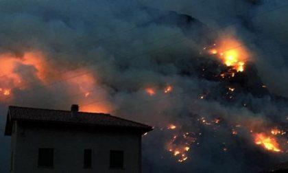 Due denunciati per incendio boschivo colposo a Sorico: stavano preparando cibo