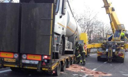 Cisterna ribaltata: Statale 36 riaperta in direzione Milano